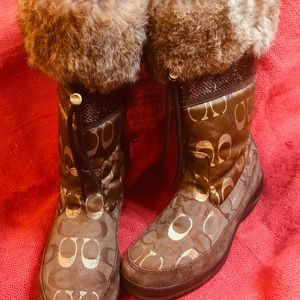 Coach Logo Brown Gold Boots Fur Lizzy